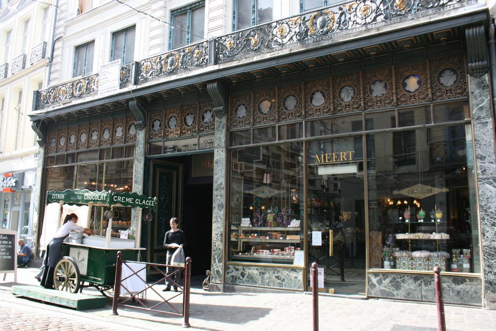Meert lille chocolatier salon de th 27 rue esquermoise lille 59000 o manger adresses - Magasin meuble lille rue esquermoise ...